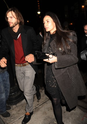 Ashton kutcher love loss wore after party izq r9lg9jpx