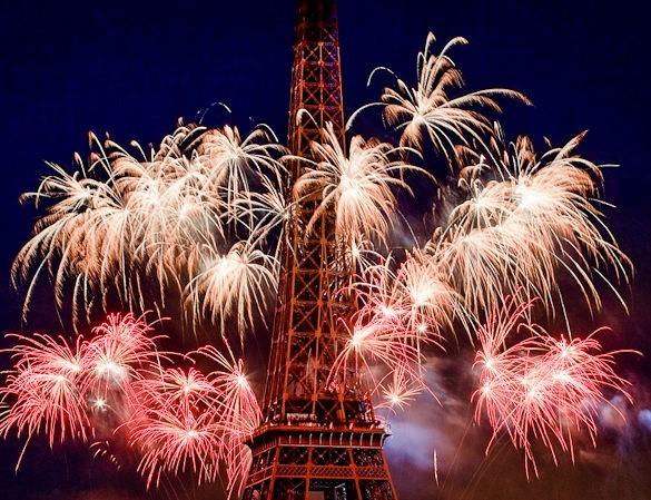 Paris fireworks bastille day july 14