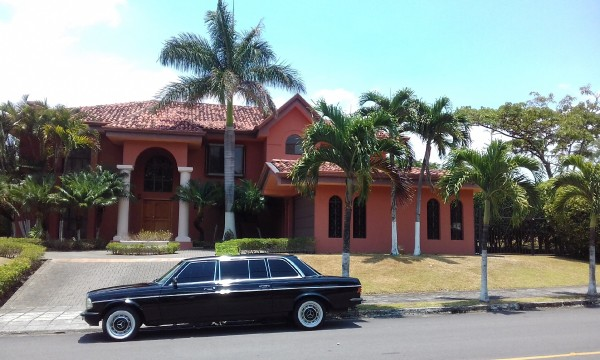 RED MANSION LIMOUSINE COSTA RICA