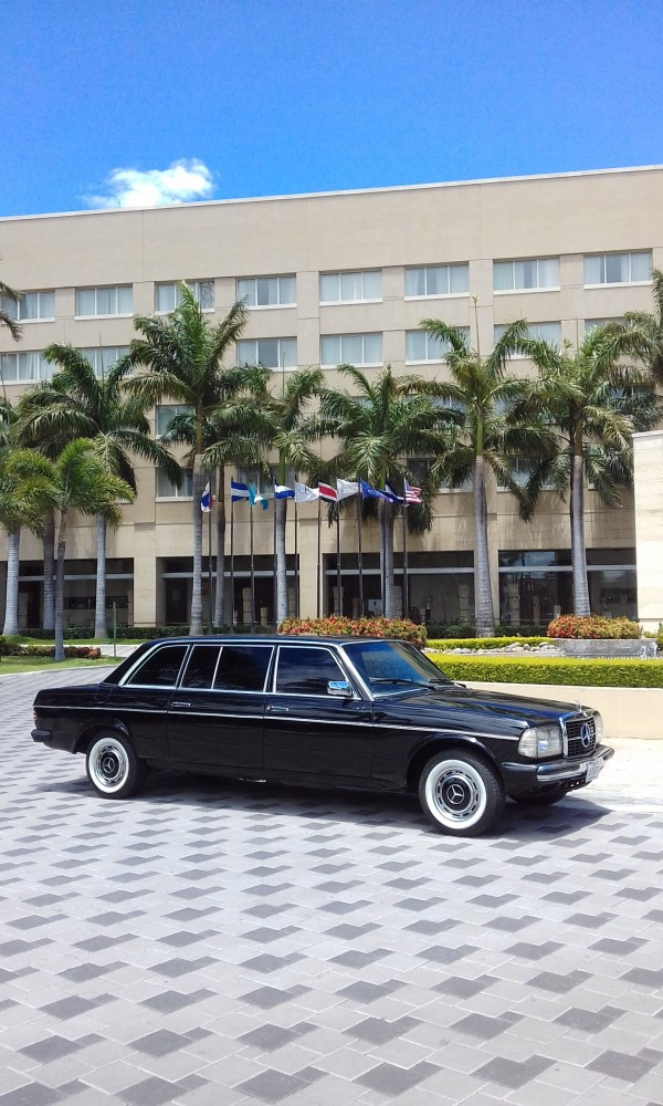 Real InterContinental at Multiplaza Mall COSTA RICA LIMOUSINE