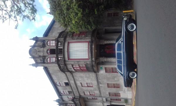 Dramatic architecture in Barrio Amon San Jose, Costa Rica LIMOUSINE