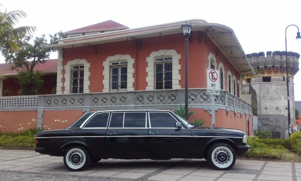 LIMOUSINE AND MANSION NEXT TO CASTLE COSTA RICA
